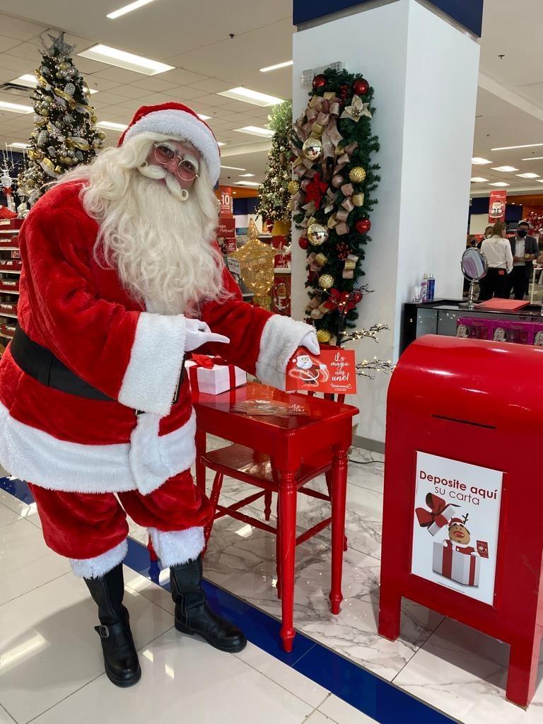 Universal Arrancó la Navidad Con Los Colores del amor, la Paz y la Gratitud